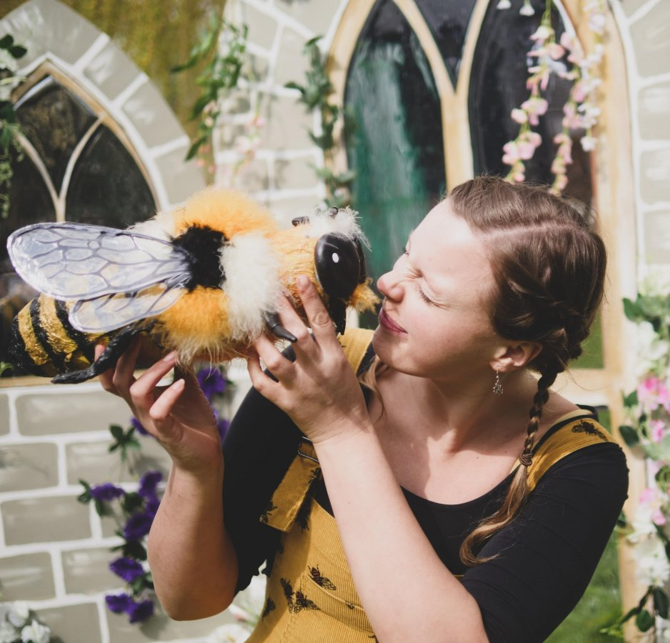 Bee-ology Circus Theatre Show